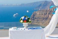 Stół i dekoracje dla ślubnej ceremonii Obrazy Stock