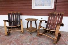 Stół i krzesła na ganeczku możemy być relaksujący zdjęcia stock
