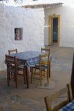 Stół ustawiający dla cztery w kawiarni zdjęcie royalty free