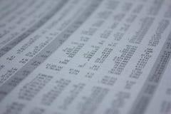 Stół z liczbą, rynek papierów wartościowych analizuje Obrazy Stock