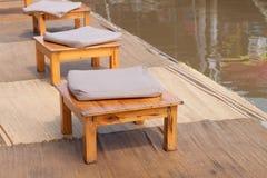 Stół i rzeka. Obraz Royalty Free