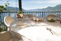Stół restauracja zdjęcia stock