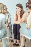 Stödgrupp under terapeutisk period Arkivbild