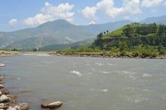 Stödja vattenströmmen Pakistan Royaltyfri Foto