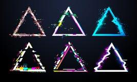 Störschubdreieckrahmen Verzerrter Fernsehschirm, helle Wanzeneffekte des Fehlers auf Defekt glitched Dreiecke Verzerrungsstörschü vektor abbildung