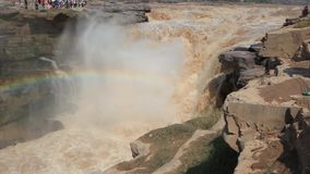Störst gul vattenfall för Hukou vattenfall- i Kina lager videofilmer