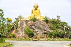Störst staty av Luang Pu Thuat i Phatthalung, Thailand Fotografering för Bildbyråer