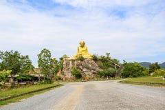 Störst staty av Luang Pu Thuat i Phatthalung, Thailand Arkivbild