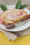 Stück des Kuchens auf der Platte Stockfoto