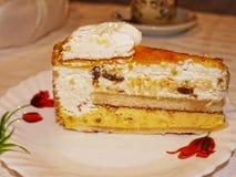 Stück des Kuchens im Restaurant in Marbella in Spanien Stockbild