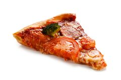 Stück Pizza auf weißem Hintergrund Stockbild