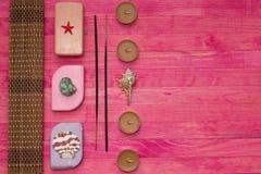 Stück Seifen- und Bambusmatte Stockfotos