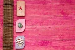 Stück Seifen- und Bambusmatte Stockfoto