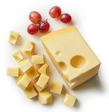 Stück und Würfel des Schweizer Käses Stockbild