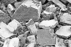 Stücke des defekten Katalysator lizenzfreie stockfotografie