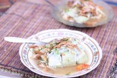 Stücke des gebratenen Huhns mit würzigem Gewürz, Version 3 lizenzfreies stockfoto