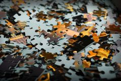 Stücke des Puzzlespiels lizenzfreies stockfoto