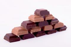 Stücke Dunkelheit und Milchschokolade Stockfotografie
