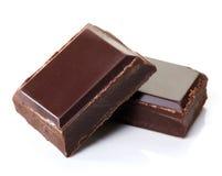 Stücke dunkle Schokolade stockfotos