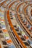 Stühle auf einem Kreuzschiff Lizenzfreie Stockfotografie