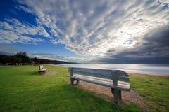 Stühle auf Küste Lizenzfreie Stockfotos