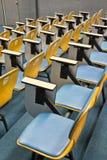 Stühle in den Konferenzzimmern lizenzfreies stockbild