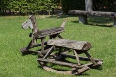 Stühle in einem Park Stockfoto