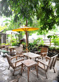 Stühle im Garten Lizenzfreies Stockbild