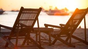 Stühle und Sonnensatz Lizenzfreies Stockfoto