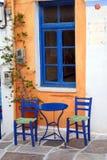 Stühle und Tabelle Stockbilder
