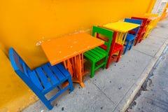 Stühle und Tabellen in Cartagena Stockfoto