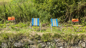 Stühle von Zuschauern von Le-Tour de France Lizenzfreie Stockbilder