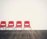 Stühle, zum einer unbelegten Wand gegenüberzustellen stock abbildung