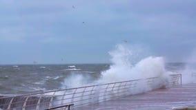 Stürmen Sie auf dem Schwarzen Meer stock video