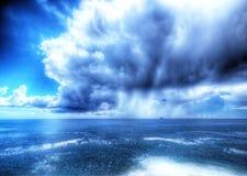 Stürmen Sie das Ligurische Meer Stockfotografie