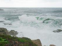 Stürmen Sie, Wellen in Costa Brava, Palamos, Spanien Stockbild