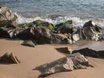 Stürmen Sie, Wellen in Costa Brava, Palamos, Spanien Stockbilder
