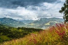 Stürmische Berge Stockfotografie