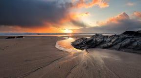 Stürmische Küste lizenzfreie stockfotografie