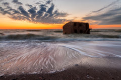 Stürmischer baltischer Sonnenuntergang Stockfotos