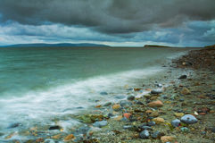 Stürmischer Himmel über dem Meer Lizenzfreie Stockbilder