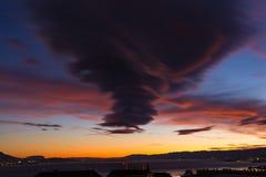 Stürmischer Himmel am Sonnenuntergang Lizenzfreie Stockfotos
