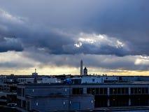 Stürmischer Sonnenuntergang, der DC-Monumente bei Sonnenuntergang übersieht Stockfoto
