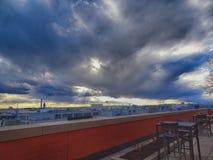 Stürmischer Sonnenuntergang, der DC-Monumente bei Sonnenuntergang übersieht Lizenzfreies Stockfoto