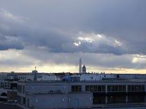 Stürmischer Sonnenuntergang, der DC-Monumente bei Sonnenuntergang übersieht Stockbild