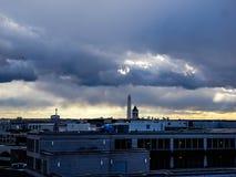 Stürmischer Sonnenuntergang, der DC-Monumente bei Sonnenuntergang übersieht Lizenzfreie Stockfotos