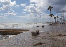 Stürmischer Tag bei Phapos, auf der Promenade Stockbild