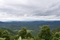 Stürmischer Tag in den Bergen stockfotografie