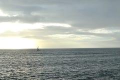 stürmisches Wetter auf einem bewegten See Stockbild
