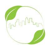 Stützbares grünes Design des Gebäudeskyline-Logos Stockfotos